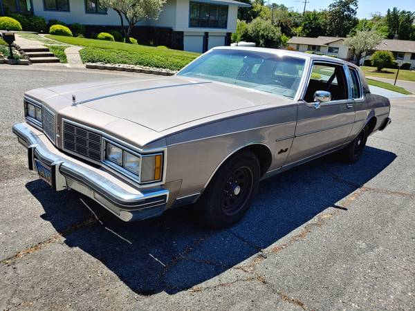Photo 1983 Oldsmobile Delta 88 - $4,599 (San Luis Obispo)