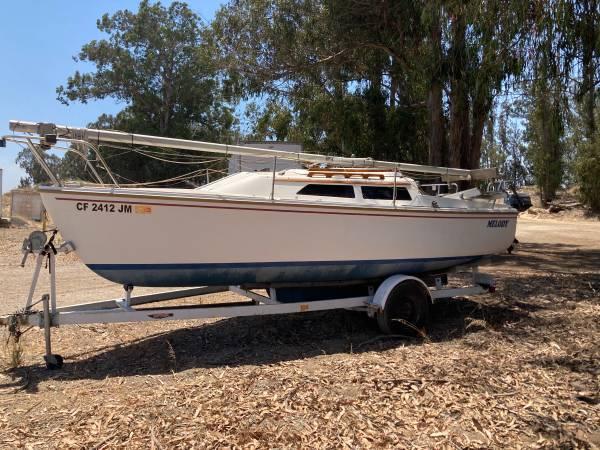 Photo 1986 22 foot Catalina sailboat - $4,200 (Nipomo,CA)