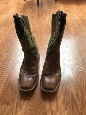 Photo Ariat Boots 10.5 D - $45 (Nipomo)