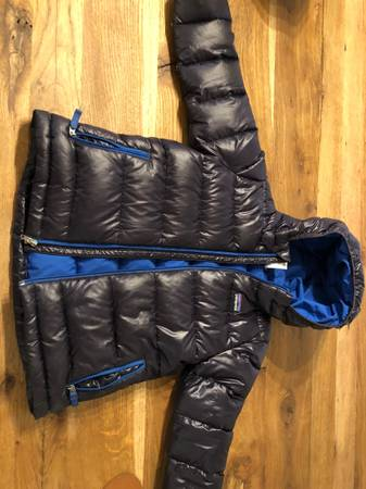 Photo Boys Patagonia hi loft down coat - $60 (Templeton)