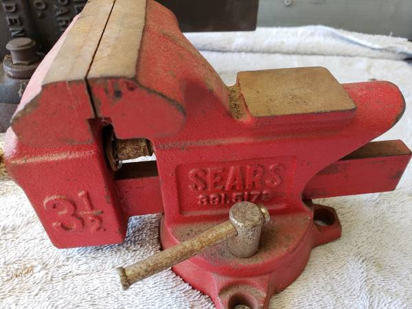 Photo Craftsman Swivel Bench Vise Anvil 3 12quot - $45 (Paso Robles)