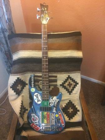 Photo Dean Playmate Electric Bass - $125 (Los Osos)
