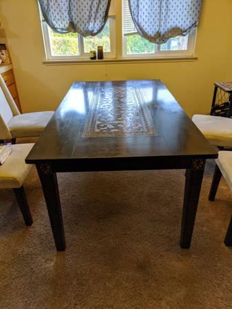 Photo Dining table - Pier 1 - $60 (San Luis Obispo)