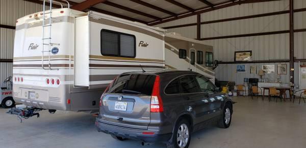 Photo Fleetwood Flair and Honda CRV Tow Vehicle - $40,000 (Santa Maria)