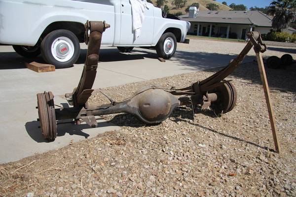 Photo Ford 9 Inch Rear Axle Complete - $140 (Atascadero)