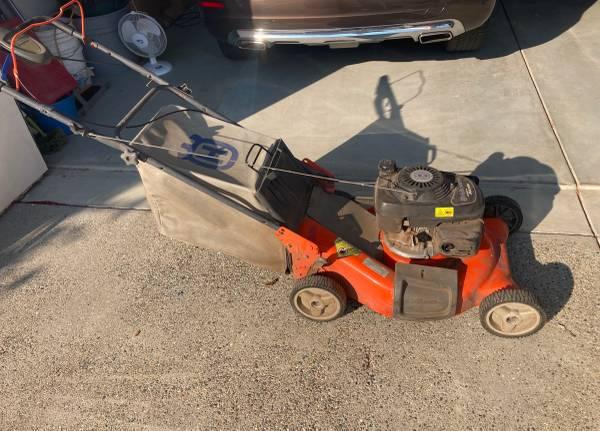 Photo Husqvarna rear wheel drive mower - $125 (Avila Beach)