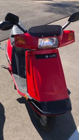 Photo Like new Honda Elite - $1,300 (Grover beach)