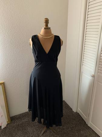 Photo Little Black Dress - $20 (Arroyo Grande)