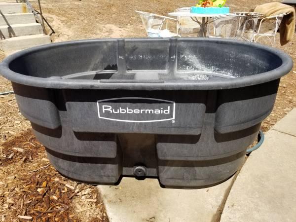 Photo Rubbermaid 150 gal Trough - $150 (Nipomo ca 93444)