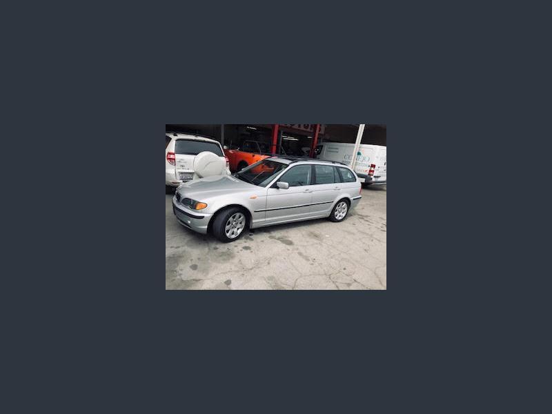 Photo Used 2004 BMW 325i Wagon for sale