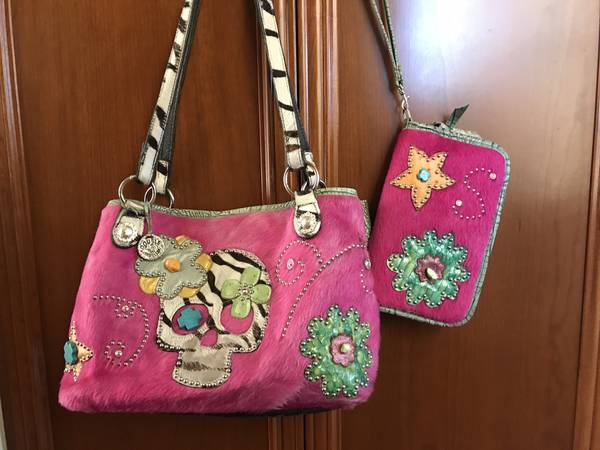 Photo Very cool Double J and clutch - $400 (Shell Beach)