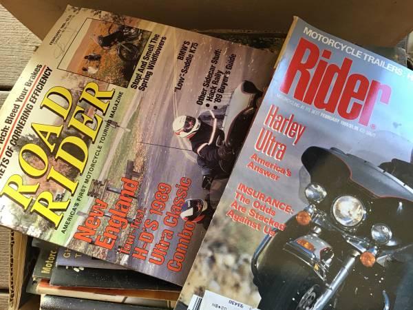 Photo motorcycle MAGAZINES 1980s FREE (Cayucos)