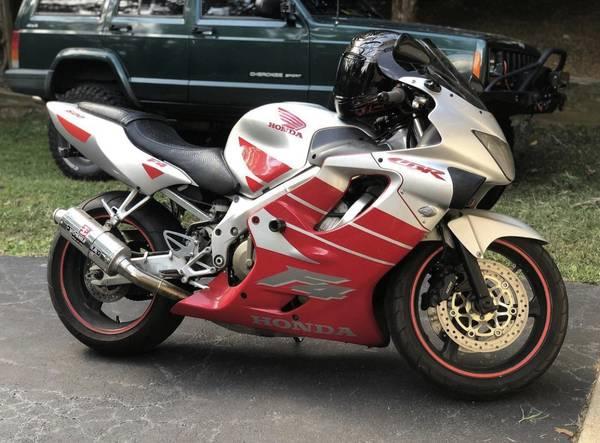 Photo 2000 Honda CBR F4 - $3,200 (Stafford)