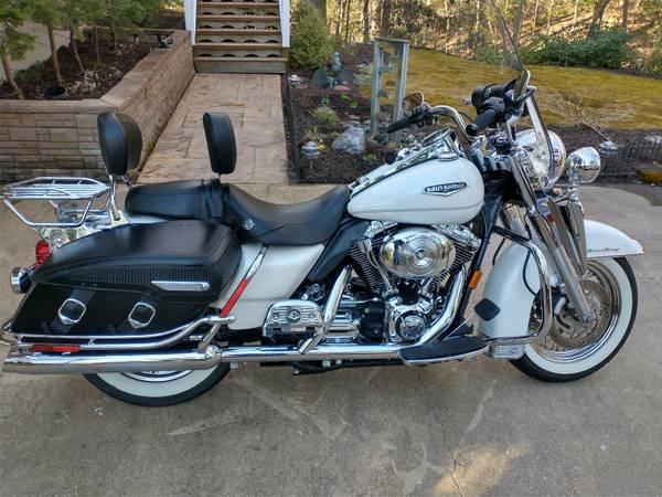 Photo 2004 Harley Road King Classic - $7,900 (Huntingtown)