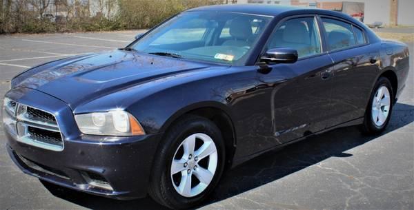 Photo 2012 Dodge Charger SE Sedan 4D 4D WARRANTY FINANCING - $9,249 (2012 Dodge Charger)