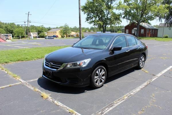 Photo 2014 Honda Accord LX Sedan 4D WARRANTY FINANCING - $10,374