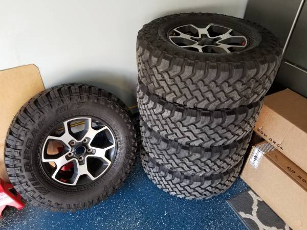 Photo 2020 Jeep Rubicon, Set of 5 Rims and Tires - $1,200 (Waldorf)