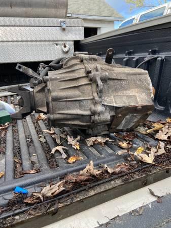 Photo 94 Chevy K3500 transfer case - $350