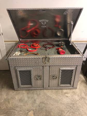 Photo ALUMINUM 2 DOG BOX - $750