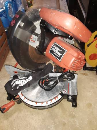 Photo Black and Decker Firestorm 10quot Miter Saw - $50 (Owings)