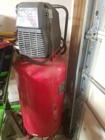 Photo Craftsman Compressor - $200