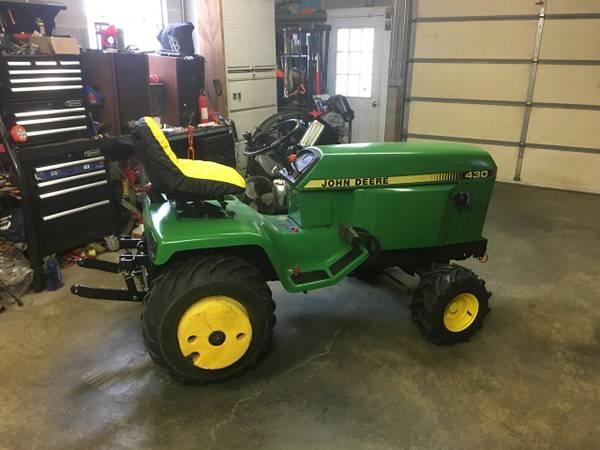 Photo John Deere 430 Lawn Tractor - $3500 (Pomfret)