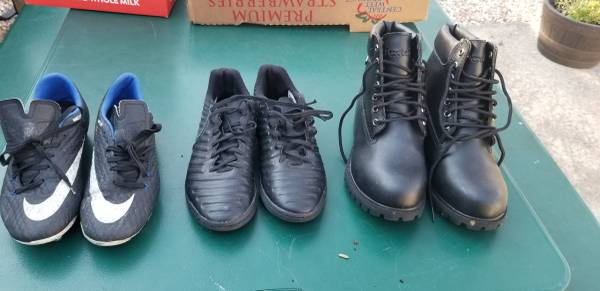 Photo Men Boots Black, Nike Soccer Cleats, Soccer Indoor Shoes - $10 (Alexandria)