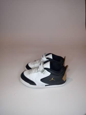 Photo Nike Jordan quotbig fundquot size 10c - $30 (Marbury)