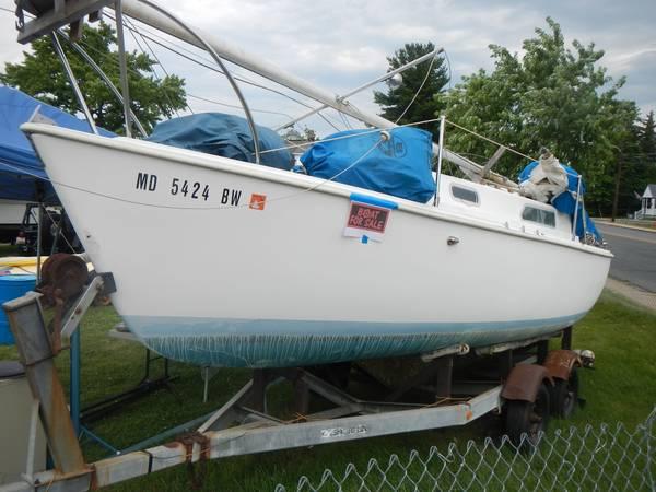 Photo Oday 2339 poptop sailboat w Trailer - $2,100 (Dundalk)