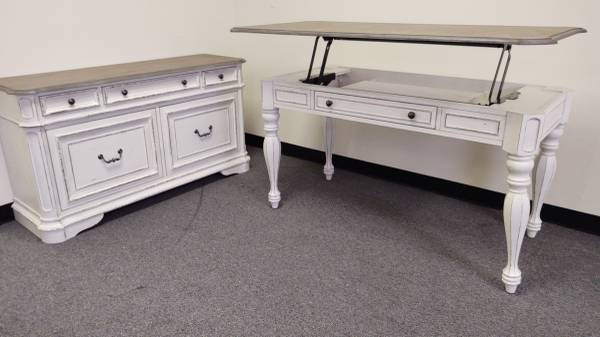Photo Off white desk lift top and matching credenza...(1425) - $1,425 (Southern maryland,Maryland)