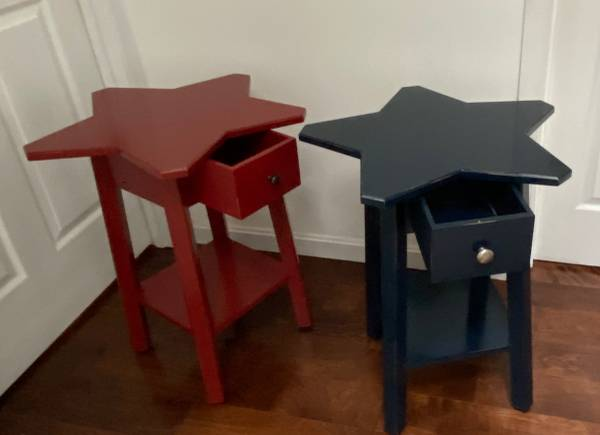 Photo Pottery Barn Star table Set of 2 - $50 (Owings, MD)