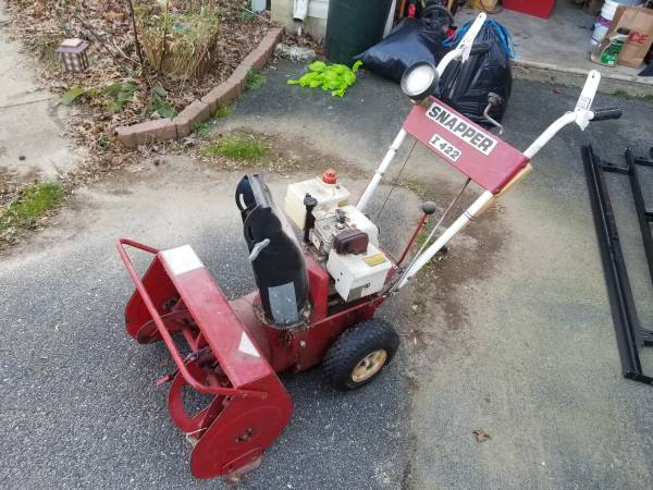 Photo Snapper 4220 22quot 4 HP Two Stage Intermediate Snow Thrower - $150 (Owings, MD)