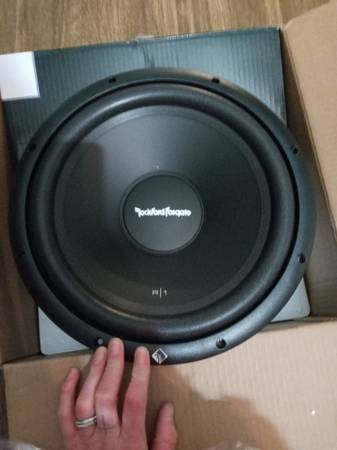 Photo 15quot RockFord Fosgate subwoofer - $50 (South Bend)