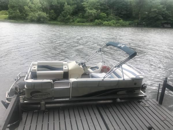 Photo 18 ft pontoon - $14,800 (Buchanan Mi)