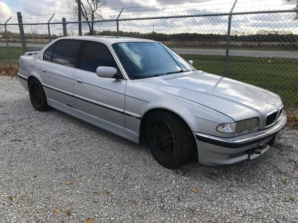 Photo 1999 BMW 740iL STILL AVAILABLE - $1500 (New Carlisle)