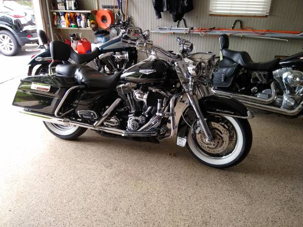 Photo 2007 Road King Classic - $7,100 (Downers Grove)