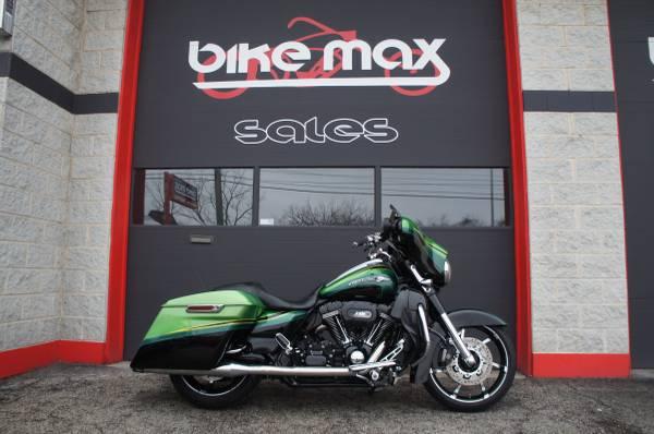 Photo 2011 Harley Davidson CVO Street Glide Screaming Eagle - $16,999