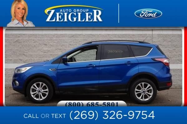 Photo 2017 Ford Escape SE Tech Pkg - $18,540 (_Ford_ _Escape_ _SUV_)