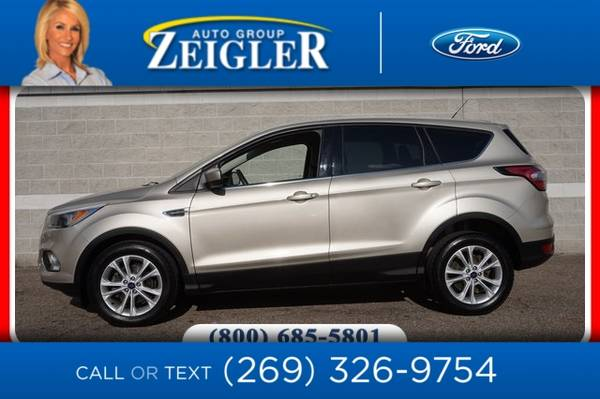 Photo 2017 Ford Escape SE - $13,510 (_Ford_ _Escape_ _SUV_)