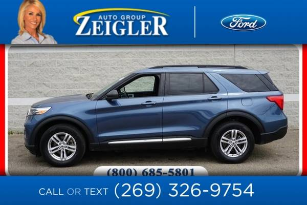 Photo 2020 Ford Explorer XLT - $39,960 (_Ford_ _Explorer_ _SUV_)