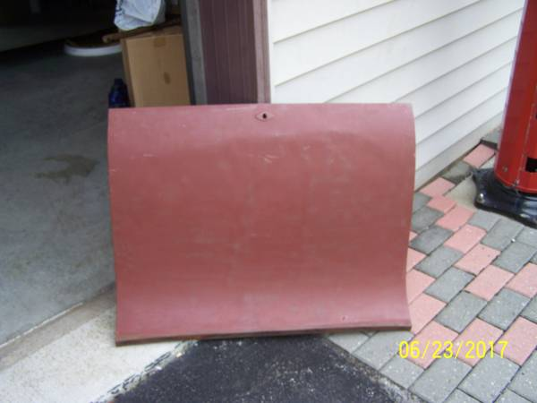 Photo 3926 - 3927 Ford model t coupe deck lid (Westville)