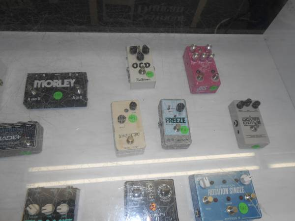 Photo BUY-SELL-TRADE Guitar Pedals (ELKHART)