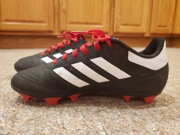 Photo Boys Adidas Soccer Cleats-Size 3 - $10 (New Carlisle)