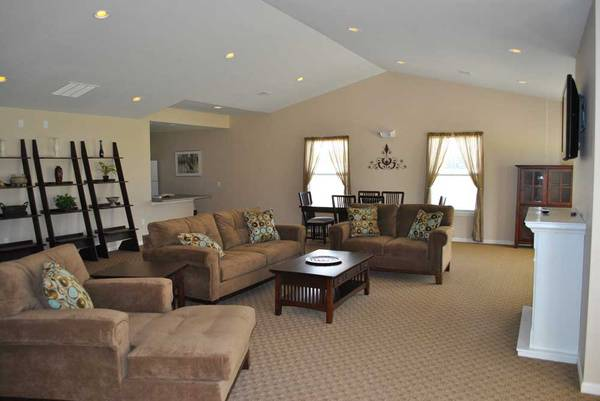 Photo Come home to affordable living at Retreat at Canterbury House (Michigan City)