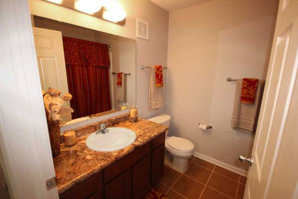 Photo Comfortable 1 BR  1 BA with private washer and dryer (Michigan City)