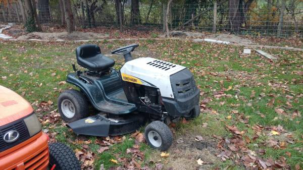 Photo Craftsman Tractor - $500 (South bend)