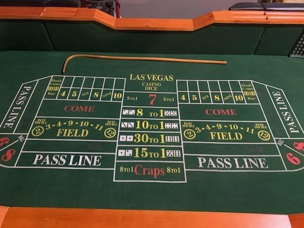 Photo Craps Table - $699 (Elkhart)