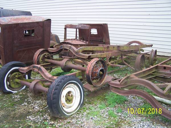 Photo Ford model A  T car  truck frames (Westville)