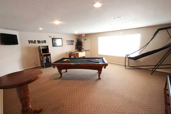 Photo Great 1 bed  1 bath We Love Pets Ask about our Pet Policy (Michigan City)