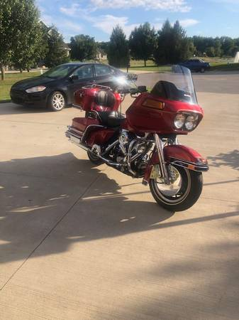 Photo Harley Davidson Tour Glide - $5,998 (South Bend)